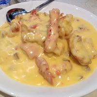 Photo taken at Chuk Yuen Seafood Restaurant 竹園海鮮飯店 by Karen Leung on 4/26/2013