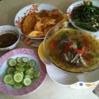 Photo taken at บ้านเปียโนพอเพียง by Pongwat A. on 9/16/2012