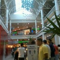 Photo taken at Minas Shopping by Livanclife. t. on 11/11/2012