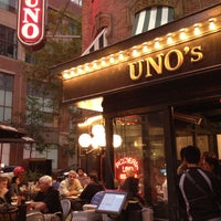 Photo taken at Uno Pizzeria & Grill - Chicago by Monica S. on 7/27/2013