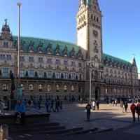 Photo taken at Hamburger Rathaus by Daniel R. on 10/27/2012