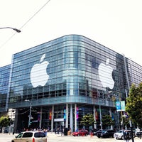 Photo taken at Moscone West by Kazu i. on 6/9/2013