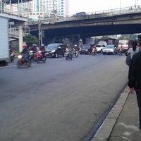 Photo taken at Halte TransJakarta Grogol 1 by WIHARTO .. on 5/7/2013