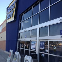 Photo taken at Best Buy by Johnny T. on 11/28/2012