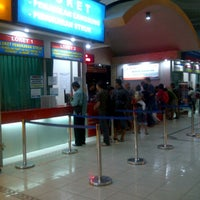 Photo taken at Stasiun Purwokerto by Voike D. on 3/13/2013