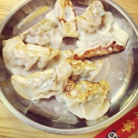 Photo taken at Lam Zhou Handmade Noodle by Menglin H. on 7/13/2013