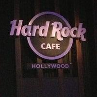 Photo taken at Hard Rock Cafe Hollywood by Niklas K. on 11/11/2012