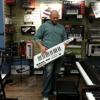 Photo taken at Guitar Center by Tammy M. on 10/26/2013