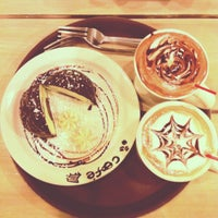 Photo taken at Cafe Bench by Hoyin T. on 11/5/2012