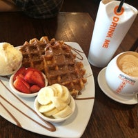 Photo taken at Max Brenner Chocolate Bar by love Au on 5/8/2015