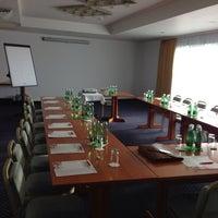 Das Foto wurde bei Hotel Donauzentrum von Peter B. am 10/8/2013 aufgenommen