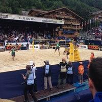 Das Foto wurde bei FIVB Gstaad Center Court von DacyMii am 7/13/2014 aufgenommen