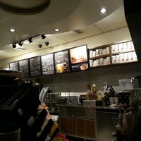 Photo taken at Starbucks by Fa H. on 1/28/2013