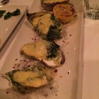 Photo taken at Morton's Steakhouse by Juan L. on 3/14/2014
