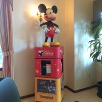 Photo taken at Anaheim Camelot Inn & Suites by HIK on 9/15/2014