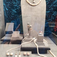 Photo taken at Van Gundy Jewelers by Sheri C. on 1/4/2014