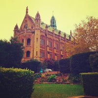 Photo taken at The University of Sydney (USYD) by Adolfo L. on 5/13/2013