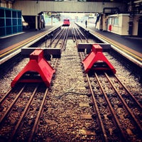 Photo taken at Ealing Broadway Railway Station (EAL) by Ghida A. on 1/3/2013