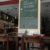 Photo taken at Ciao! Vino & Birra by Aline F. on 6/9/2013