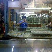Photo taken at Pasar Teluk Gong by Uncu E. on 3/3/2013