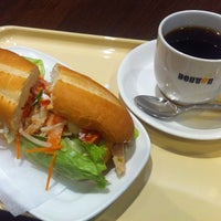 Photo taken at ドトールコーヒーショップ 新幹線新大阪駅店 by HAL024 on 6/23/2013