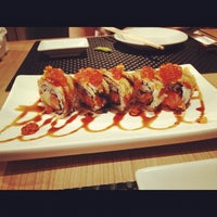 Photo taken at Honmono Sushi by Tisana R. on 10/22/2012