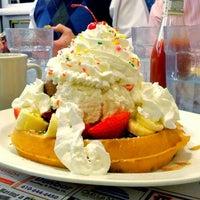 Photo taken at Minella's Main Line Diner by Glen on 11/22/2012