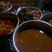 Photo taken at Lesehan Nasi Gudeg Cukupan Batas Kota by anggraheni N. on 6/14/2014