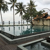 Photo taken at Le Méridien Koh Samui Resort & Spa @ Pool Bar by san s. on 4/29/2016