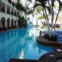 Photo taken at Hotel Playa Los Arcos by Heriberto M. on 3/28/2013