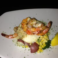 Photo taken at Pappadeaux Seafood Kitchen by Ivan D. on 1/31/2013