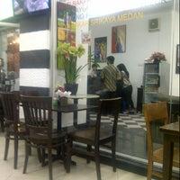 Photo taken at Kedai Kopi Bang Razali by votedeni on 9/15/2012