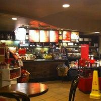 Photo taken at Starbucks by Maurice W. on 12/27/2012