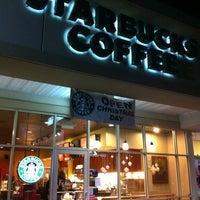 Photo taken at Starbucks by Earl G. on 12/15/2012