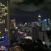 Photo taken at Fraser Suites Sukhumvit, Bangkok by nacazzo on 10/13/2012