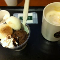 Photo taken at TULLY'S COFFEE 徳島大学病院店 by Mika, K 女. on 11/15/2012