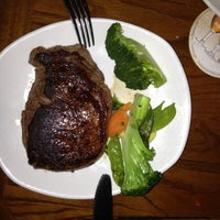 Photo taken at Outback Steakhouse by Станислав Г. on 5/5/2013
