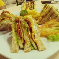 Photo taken at Cinnamon Bistro by Hendro m. on 5/1/2016