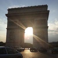 Photo taken at Arc de Triomphe by Teik Chuan L. on 7/26/2013