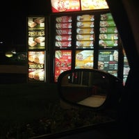 Photo taken at Taco Bell by Ludwing D. on 10/2/2012