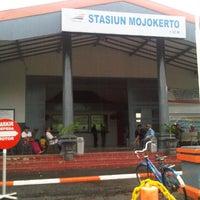 Photo taken at Stasiun Mojokerto by Muchamad Arifin on 2/16/2013