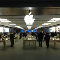 Photo taken at Apple Store, Anchorage 5th Avenue Mall by Jan K. on 10/15/2012