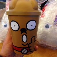 Photo taken at DUNKIN' DONUTS by 살찐고양이 미. on 12/9/2014
