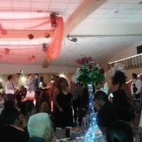 Photo taken at Salones santa clara by Samuel Ashar C. on 10/20/2013