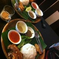 Photo taken at Fizza Cafe by Kamal A. on 10/19/2012