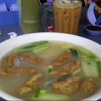 Photo taken at Restoran Fai Kee by Daedrie D. on 11/4/2012