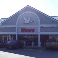 Photo taken at Wawa Food Market #8013 by James The Blueprint W. on 6/15/2013