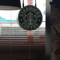Photo taken at Starbucks by Otredla A. on 7/5/2013