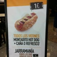 Photo taken at 100 Montaditos by Jose H B. on 1/24/2013