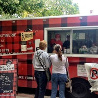 Photo taken at Sew Hungry Food Truck Rally by Shawntell ♋ on 9/21/2012